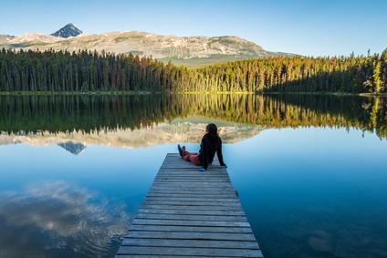 山と湖の風景