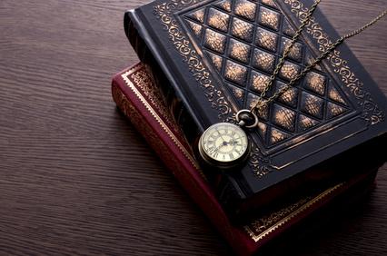 洋書と懐中時計